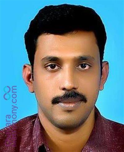 Niranam Diocese Matrimony Grooms user ID: Jijipthomas