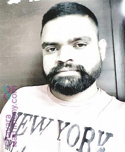 Thrissur Matrimony Grooms user ID: CTCR457138