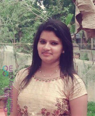 Chalakudy Matrimony Bride user ID: Dincy098