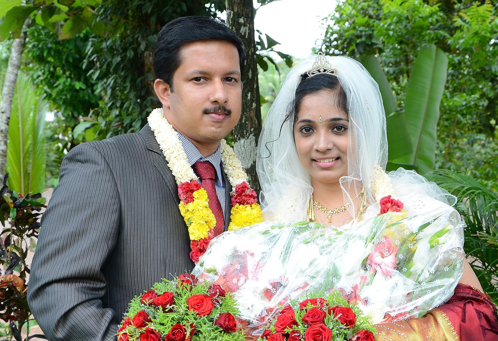 Jojy koshy wedding dress