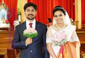Sanjo & Resmi 's Wedding Photos | ChavaraMatrimony com